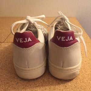 Shoes - Veja Sneakers Vegan